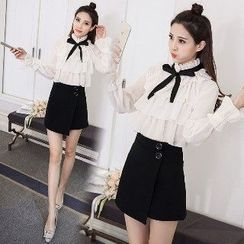 Romantica - Ruffled Blouse