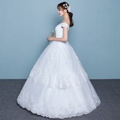 Luxury Style - Off Shoulder Layered Wedding Gown