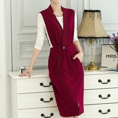 Donnae - Set: Long-Sleeve T-Shirt + Pinstriped Pinafore Dress