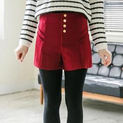 東京著衣 - 排扣壓褶設計純色呢料短褲