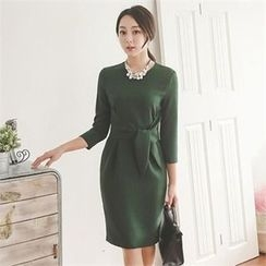 ode' - 3/4-Sleeve Tie-Waist Sheath Dress