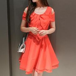 Amella - Short-Sleeve Bow-Accent A-Line Dress