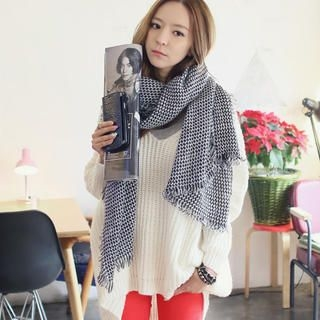 REDOPIN - Fringed Houndstooth Scarf