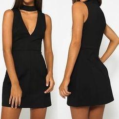 Flobo - Sleeveless Cutout-Front Dress