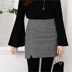 PIPPIN - Cutout-Hem Houndstooth Mini Skirt