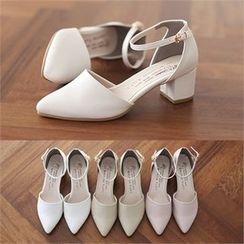 Romantic Factory - 仿皮踝扣带高跟鞋