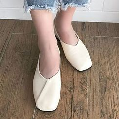 SouthBay Shoes - Square Toe Flats