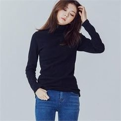MAGJAY - Turtle-Neck Top