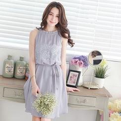 Tokyo Fashion - Lace-Panel Sleeveless Dress