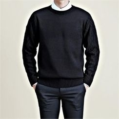 THE COVER - Crew-Neck Cable-Knit Sweater
