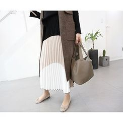 MARSHMALLOW - Maternity Color-Black Pleated Maxi Skirt