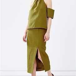 Champi - Set: Halter Cutout Shoulder Top + Midi Skirt