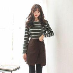 Seoul Fashion - Round-Neck Striped Ribbed T-Shirt