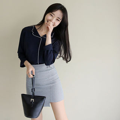 Envy Look - Contrast-Piped Blouse