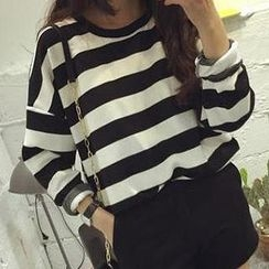 Eva Fashion - Long-Sleeve Round-Neck Striped T-Shirt