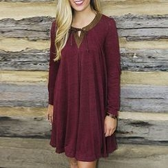Eloqueen - Long-Sleeve Paneled Dress
