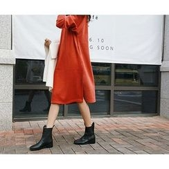 MARSHMALLOW - Round-Neck Slit-Side Midi Dress