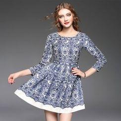 Ozipan - 3/4-Sleeve Printed A-Line Dress