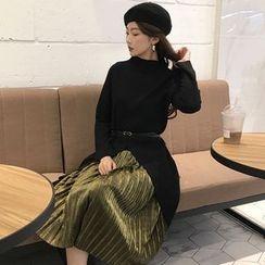 Shopherd - Set: Slit Long Sweater + Pleated Midi Skirt