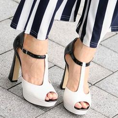 SO Central - T-Strap Peep-Toe Pumps