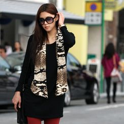 SO Central - Oversized Top with Snake Print Scarf