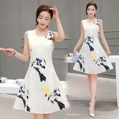 Crista - Sleeveless Printed A-Line Dress