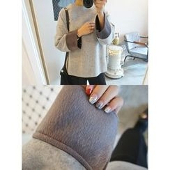 STYLEBYYAM - Contrast Wide-Sleeve Round-Neck Knit Top