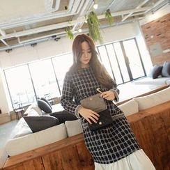 Momnuri - Maternity Ruffle-Hem Check Tweed Shift Dress