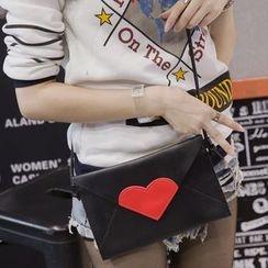 Suis MOI - Heart Faux Leather Envelope Shoulder Bag