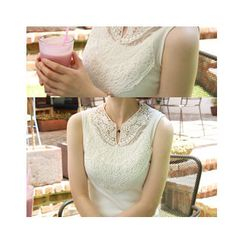 LEELIN - Sleeveless Lace-Yoke Top