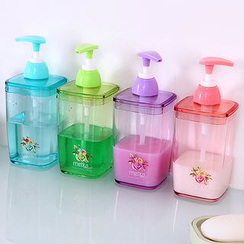 Showroom - Soap Dispenser