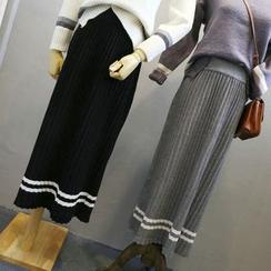 Phantasy - Pleated Midi Skirt