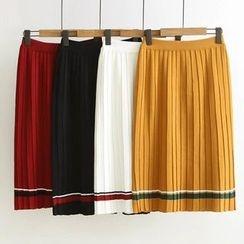 Musume - Stripe Hem Pleated Knit Skirt