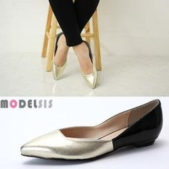 MODELSIS - Pointy-Toe Two-Tone Flats