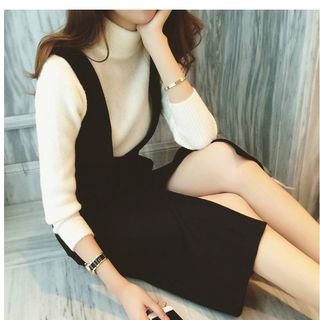 MAVIS - 套裝 :  V領中長背帶裙+針織上衣