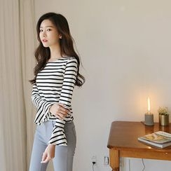 Hello sweety - Frill-Sleeve Stripe T-Shirt