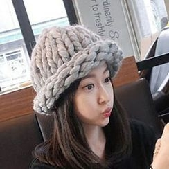 Miss Floral - Cable Knit Beanie