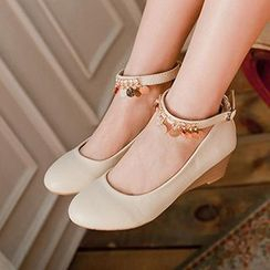 CITTA - Ankle Strap Wedge Pumps