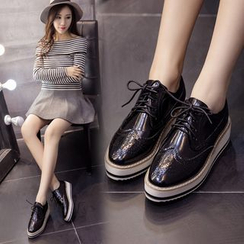 Monde - Lace-Up Wingtip Platform Shoes