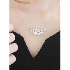 kitsch island - Rhinestone Leaf Necklace