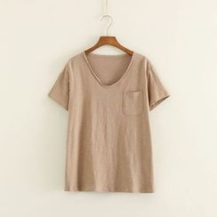 Mushi - Pocketed V-Neck T-Shirt