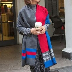 Scarflet - Houndstooth Winter Scarf