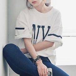 Kissu - Letter Elbow-Sleeve T-shirt