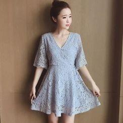 Munai - Elbow-Sleeve Lace Dress