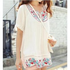 11.STREET - Short-Sleeved Floral Embroidered Top