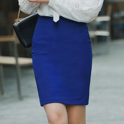 LITI - Slit Back Pencil Skirt