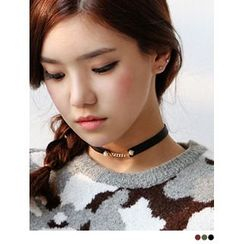 PINKROCKET - Faux Leather Pearl Choker