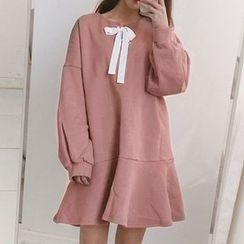 Dute - Bow Accent Long Sleeve Dress