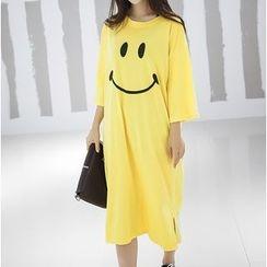 Clover Dream - Short-Sleeve Printed T-Shirt Dress
