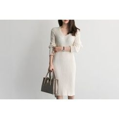 UPTOWNHOLIC - V-Neck Ribbed Knit Dress